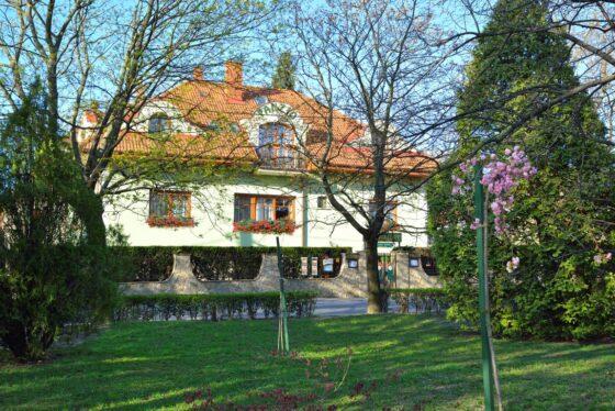 Vadászkürt panzió Sopron zöld szívében